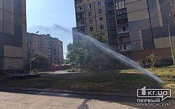 Криворожские будни: «гейзер» во дворе вместо подачи воды в квартиры
