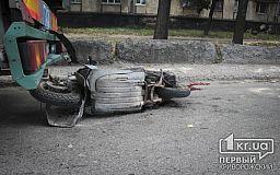 Смертельное ДТП. В Кривом Роге мотороллер на полном ходу врезался в грузовик (ОБНОВЛЕНО)