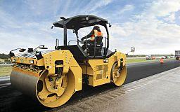 За счет областного и местных бюджетов отремонтировано уже 65% запланированных дорог