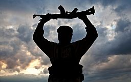 Криворожанин-дезертир расстрелял военных, потому что по телефону услышал голос любовника своей жены