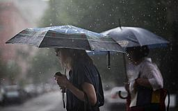 Украину зальет грозовыми дождями: синоптики рассказали, какую ждать погоду