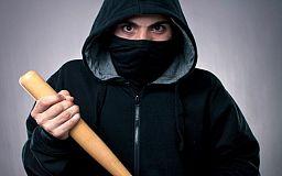 В Кривом Роге в квартиру к врачу-терапевту ворвались грабители с битами