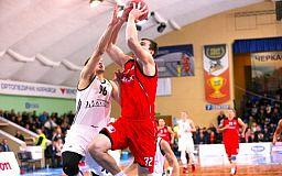 Баскетболисты из Кривбасса сыграли против Черкасских мавп