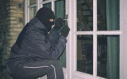 В Кривом Роге ограбили районо. Украдены компьютеры и мониторы