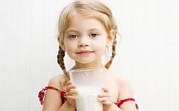 Школьников обяжут пить молоко