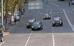 Шины для автомобилей правительства закупили по 28 тысяч за штуку