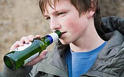 Предпринимателей оштрафовали за продажу алкоголя и табака детям