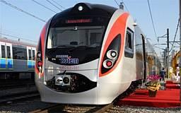 Корейский чудо-поезд «Hyundai» в первой же поездке получил пробоину от украинского перрона