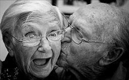 Криворожские долгожители получат материальную помощь