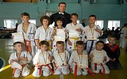 Криворожские каратисты завоевали призовые места на чемпионате Днепропетровской области