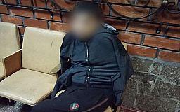 Патрульные задержали мужчину, который с ножом напал на криворожанку