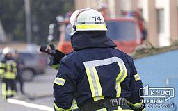 Криворожские спасатели достали из воды мужчину с ножевыми ранениями, позже он скончался