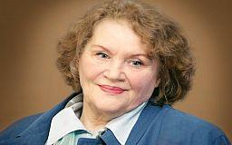 Мені державна біжутерія не потрібна, - Ліна Костенко святкує 90-річчя