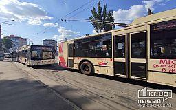 В центре Кривого Рога остановилось движение троллейбусов