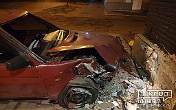 Авто влетело в кафе в Кривом Роге, водителя госпитализировали