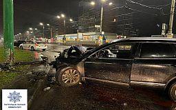 За нарушение трех статей КУоАП ответит водитель, который врезался в электроопору