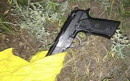 Патрульные задержали криворожанина, который прогуливался по улице с пистолетом