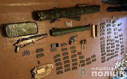 Арсенал оружия и боеприпасов изъяли у криворожанина