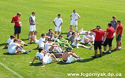Футболисты команды «Горняк U-19» с большим отрывом обыграли «Агротим» в Кривом Роге