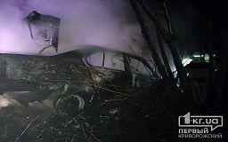В Пятихатском районе легковушка сгорела дотла после того, как попала в ДТП