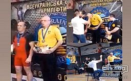 Два золота и одно серебро завоевал криворожанин на чемпионате Украины по армлифтингу
