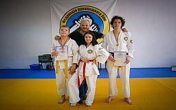 Криворожане завоевали 13 медалей на областном чемпионате по рукопашному бою