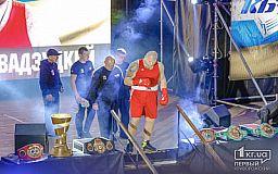 Криворожанин Игорь Шевадзуцкий техническим нокаутом завоевал пятую победу на профессиональном ринге