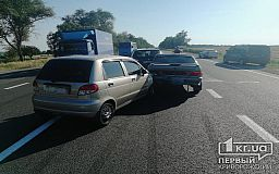 Под Кривым Рогом столкнулись два легковых авто