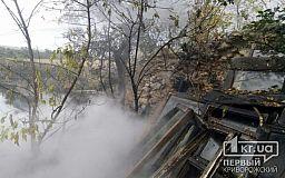 В Широковском районе загорелся дом из-за пожара на открытой территории
