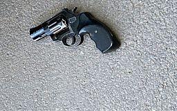 У криворожского водителя, которого остановили за нарушение ПДД, обнаружили пистолет