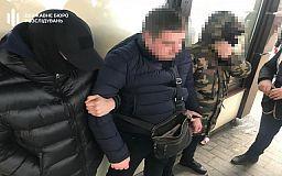 В Днепропетровской области будут судить полицейского, обвиняемого в получении 50 тысяч гривен взятки
