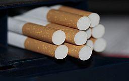 В Кривом Роге женщина продавала контрафактные сигареты