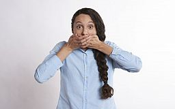 ТОП-7 стоматологических причин запаха изо рта, -  подборка «Первого Криворожского»