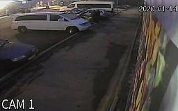 В Кривом Роге правоохранители разыскивают угнанный микроавтобус
