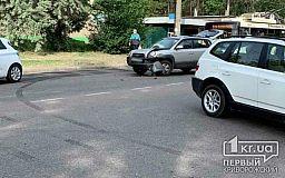 ДТП в Кривом Роге: на Заречном столкнулись Hyundai и BMW