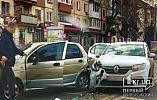 ДТП в Кривом Роге: на центральном проспекте столкнулись две легковушки