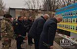 Криворіжці у День Соборності України мовчки поклали квіти біля меморіалу