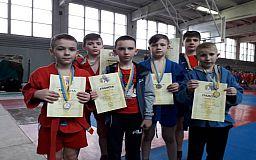 Криворожские самбисты завоевали десятки медалей на областном чемпионате