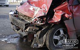 ДТП в Кривом Роге: после столкновения легковушек госпитализированы два водителя