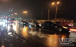 Перед «свадебным перекрестком» в Кривом Роге столкнулись 4 автомобиля