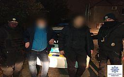Двое подозреваемых в грабежах задержаны патрульными на выходных