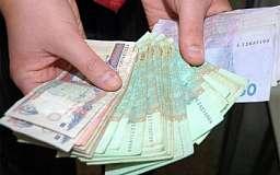Предприниматели и автомобилисты стали платить на треть больше сборов в бюджет