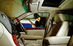 В Кривом Роге обокрали «Lexus» помощника депутата областного совета