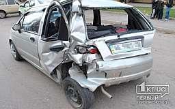 В Кривом Роге фура въехала в припаркованный «Daewoo Matiz»