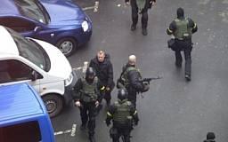 По массовым убийствам в столице задержаны ряд подозреваемых. В американских СМИ появились фото снайперов