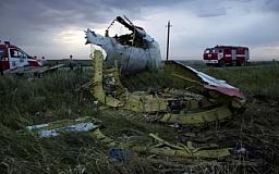 На месте катастрофы Boeing-777 найдены 251 тело и 66 фрагментов тел