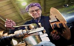 Если мы будем балансировать бюджет за счет пенсионного возраста, то нам придется его повысить до 500 лет, - глава Минсоцполитики