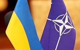 Украину могут принять в НАТО, несмотря на Крым и Донбасс