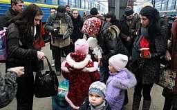 Власти Украины зафиксировали из Крыма и Донбасса 22,2 тыс. переселенцев