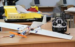 Молодежь Ингульца презентует свои работы в рамках проекта «Авиамоделизм – дорога в авиацию»